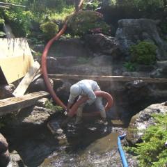 池の汚泥清掃②